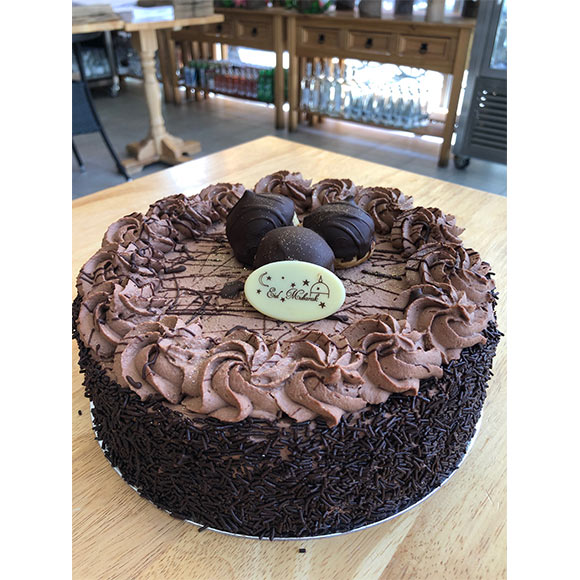 Dark chocolate 8 inch cake
